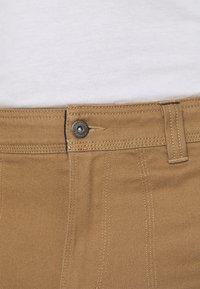 Columbia - FLARE GUNWORK PANT - Trousers - delta - 5