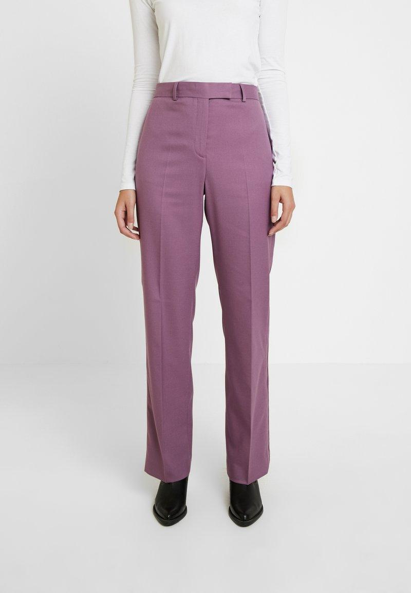 Calvin Klein - FINE CIGARETTE PANT - Trousers - purple