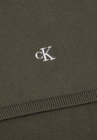 Calvin Klein Jeans - MONOGRAM SCARF UNISEX - Šála - green - 2