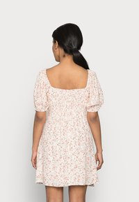 Forever New Petite - RUCHED SWEETHEART - Day dress - cameo rose - 2