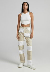 Bershka - Jeans straight leg - camel - 1