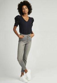 NAF NAF - Slim fit jeans - grey - 1