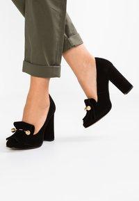 Selected Femme - SFMEL FRINGES - High Heel Pumps - black - 0