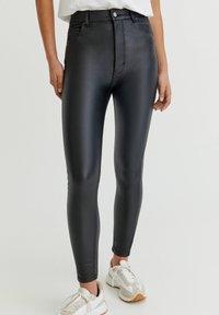 PULL&BEAR - Jeans Skinny Fit - black - 0