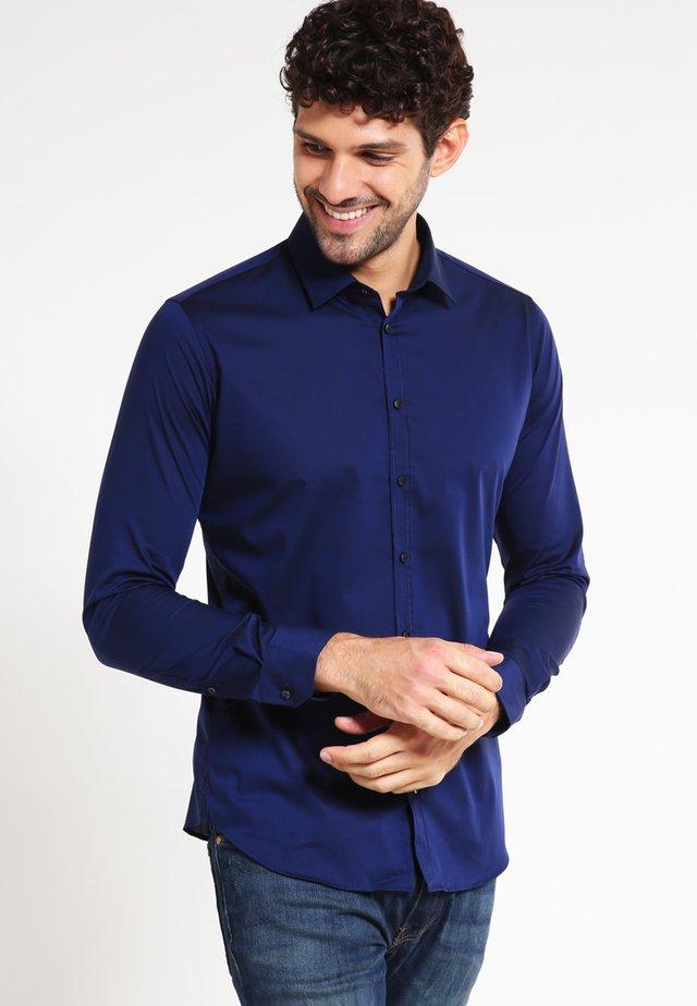 MODERN KENT X SLIM - Zakelijk overhemd - dunkelblau