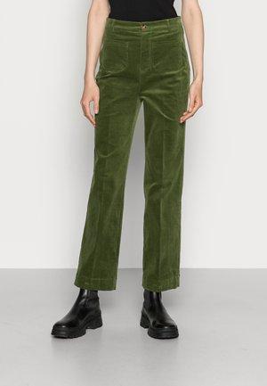 GARBO POCKET PANTS - Trousers - olive