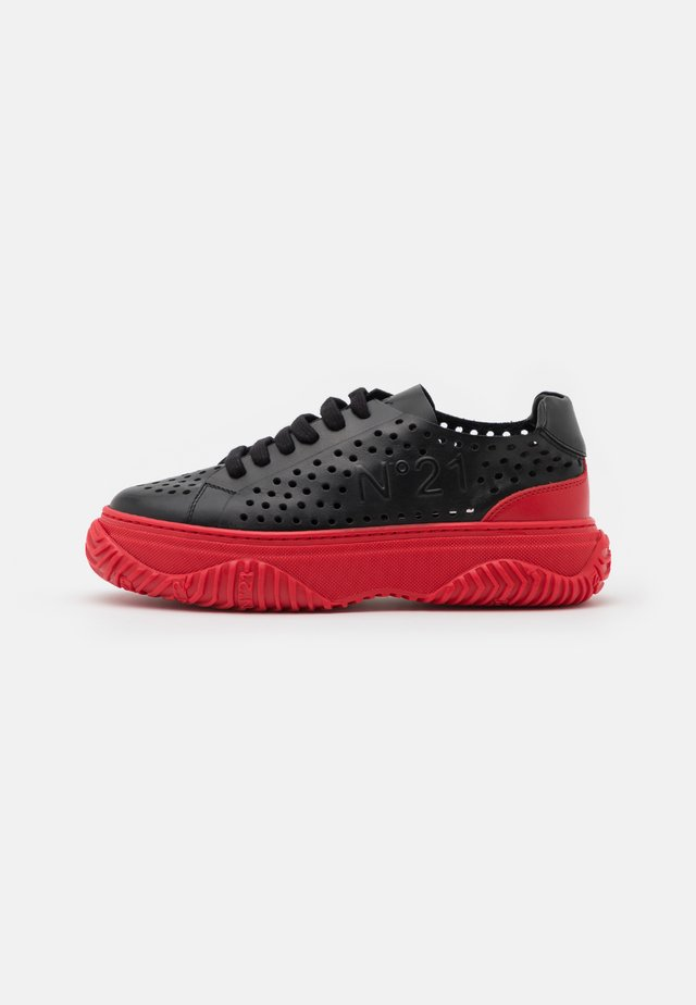 GYMNIC BONNIE - Sneakers laag - black/red