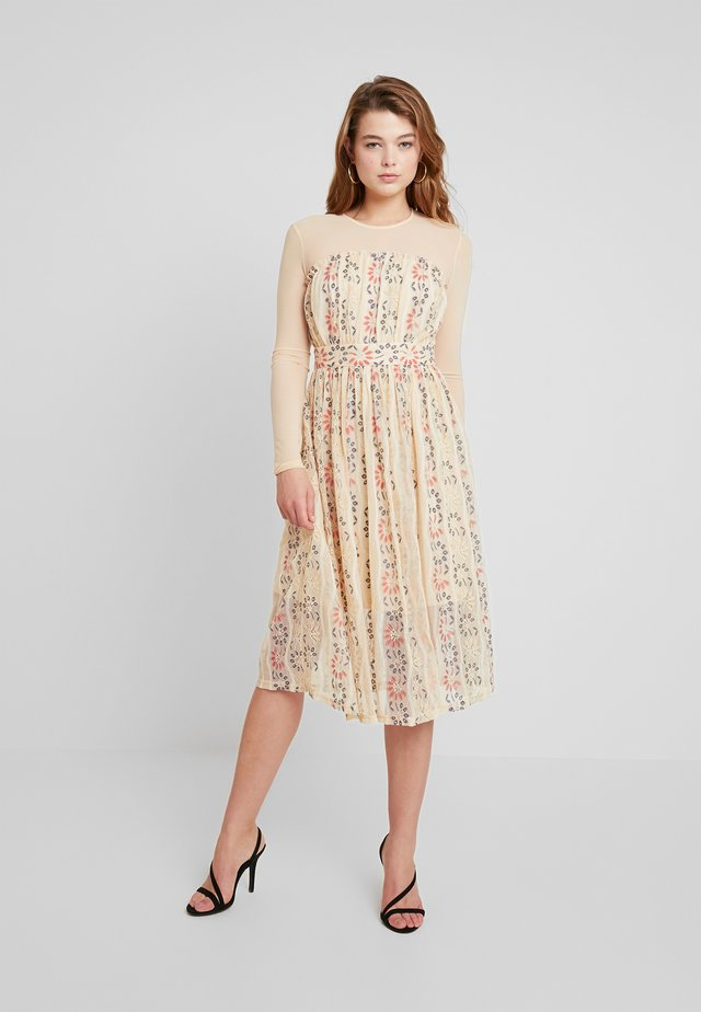 MULTI FIT AND FLARE DRESS - Cocktailjurk - pink