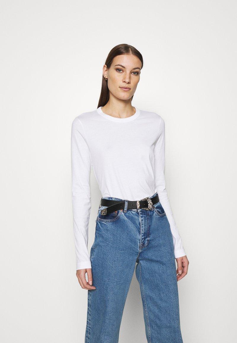 ARKET - LONGSLEEVE - Long sleeved top - white