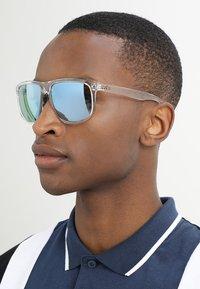 Ray-Ban - Sluneční brýle - clear green flash silver-coloured - 1