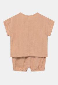 Lindex - BLOOMERS SET UNISEX - Basic T-shirt - beige - 1
