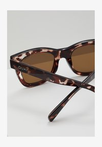 QUAY AUSTRALIA - AFTER HOURS - Sonnenbrille - tort/brown - 1