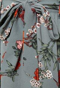 ONLY - ONLNOVA LUX JASMIN SKIRT - A-linjainen hame - balsam green/glory garden - 4