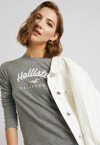Hollister Co. - CLASSIC TIMELESS TECH  - Topper langermet - grey - 3