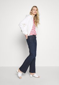 GAP - PEARL - Bootcut jeans - dark rinse - 1