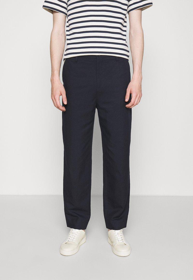 Filippa K - MATEO TROUSER - Trousers - dark navy