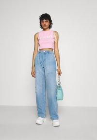 BDG Urban Outfitters - JUNO CARPENTER - Jeans relaxed fit - summer bleach - 1