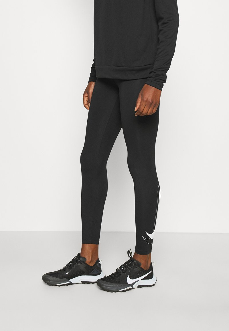 Nike Performance - RUN - Trikoot - black/white