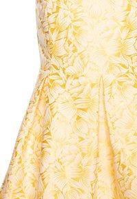 Name it - NKFFARYLE SPENCER - Cocktailkleid/festliches Kleid - aspen gold - 2