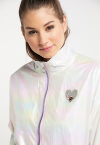myMo - HOLOGRAPHIC  - Summer jacket - weiss holografisch - 3