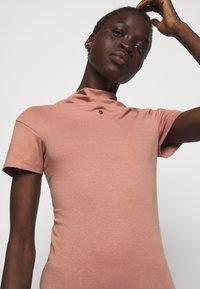 Vivienne Westwood - TUBE DRESS - Jersey dress - dusty pink - 3