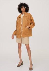 PULL&BEAR - Summer jacket - brown - 1