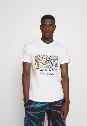STUART DAVIS TEE - T-shirt z nadrukiem - white