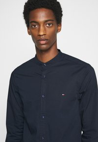 Tommy Hilfiger - SLIM STRETCH SHIRT - Shirt - blue - 6