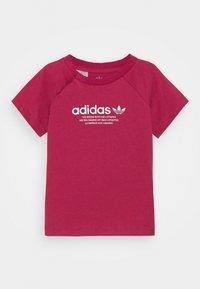 adidas Originals - TEE UNISEX - Print T-shirt - pink - 0