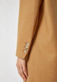 PULL&BEAR - Short coat - camel - 4