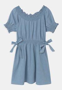 Cotton On - SAMIRA - Denim dress - light blue wash - 0