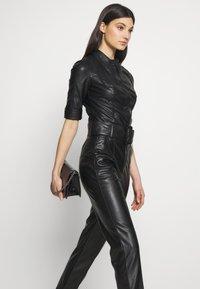 Elisabetta Franchi - Button-down blouse - nero - 3