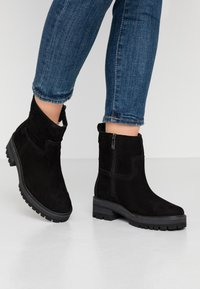 Timberland - COURMAYEUR VALLEY  - Classic ankle boots - black - 0