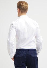 HUGO - ELISHA EXTRA SLIM FIT - Zakelijk overhemd - open white - 2