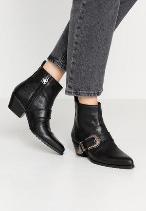 KELSY - Cowboy/biker ankle boot - nero
