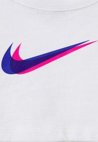 Nike Sportswear - CROP  - Long sleeved top - white - 7