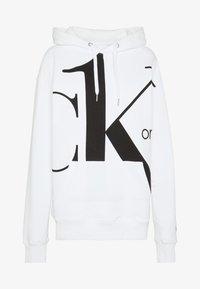 Calvin Klein Jeans - CK ONE BIG LOGO REGULAR HOODIE - Hoodie - bright white - 4
