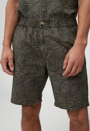 LEAVE NOW - Shorts - green with