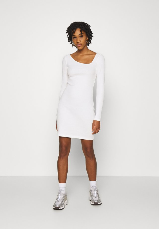 Pletené šaty - off-white