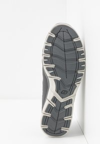 Skechers Wide Fit - GRATIS - Trainers - charcoal mesh/gray - 6