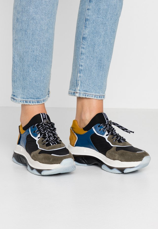 BAISLEY - Trainers - khaki/black/blue/ochre