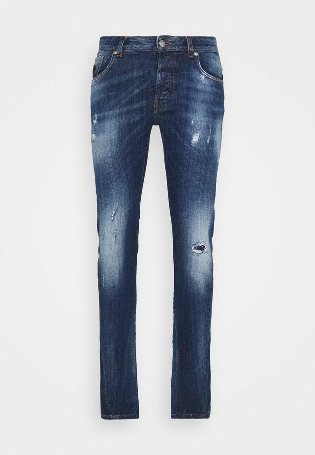 CHOEBUS MICK - Jeans slim fit - ocean