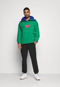 Columbia - MONASHEE ANORAK - Hardshell jacket - emerald green/lapis blue - 1