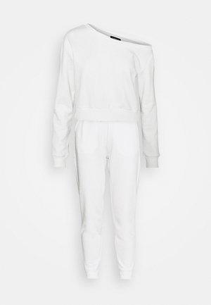 Off Shoulder Sweat & Jogger Set - Collegepaita - off-white