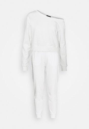 Off Shoulder Sweat & Jogger Set - Sweatshirt - off-white