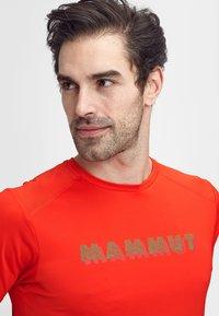Mammut - SPLIDE - Print T-shirt - spicy - 2
