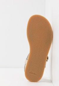 Clarks - FINCH STRIDE - Sandals - metallic - 4