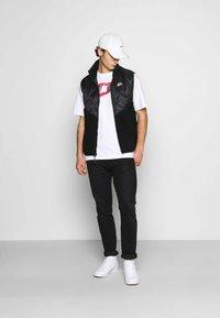 Nike Sportswear - PUNK PACK - Print T-shirt - white - 1