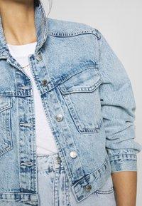 Gina Tricot - TRUCKER JACKET - Denim jacket - lt blue snow - 5
