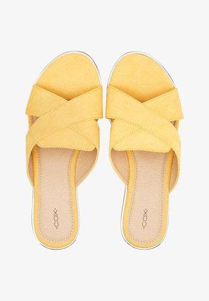 SOMMER - Mules - gelb